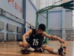 初二男孩堅持每天打籃球,體檢查出脾衰,兒科:鍛鍊了還是那麼矮