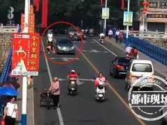 事發贛州!男孩突然衝上馬路,司機躲避不及將其撞倒