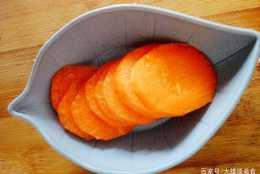 一根胡蘿蔔就可以搞定的寶寶輔食,胡蘿蔔泥,健康又營養!